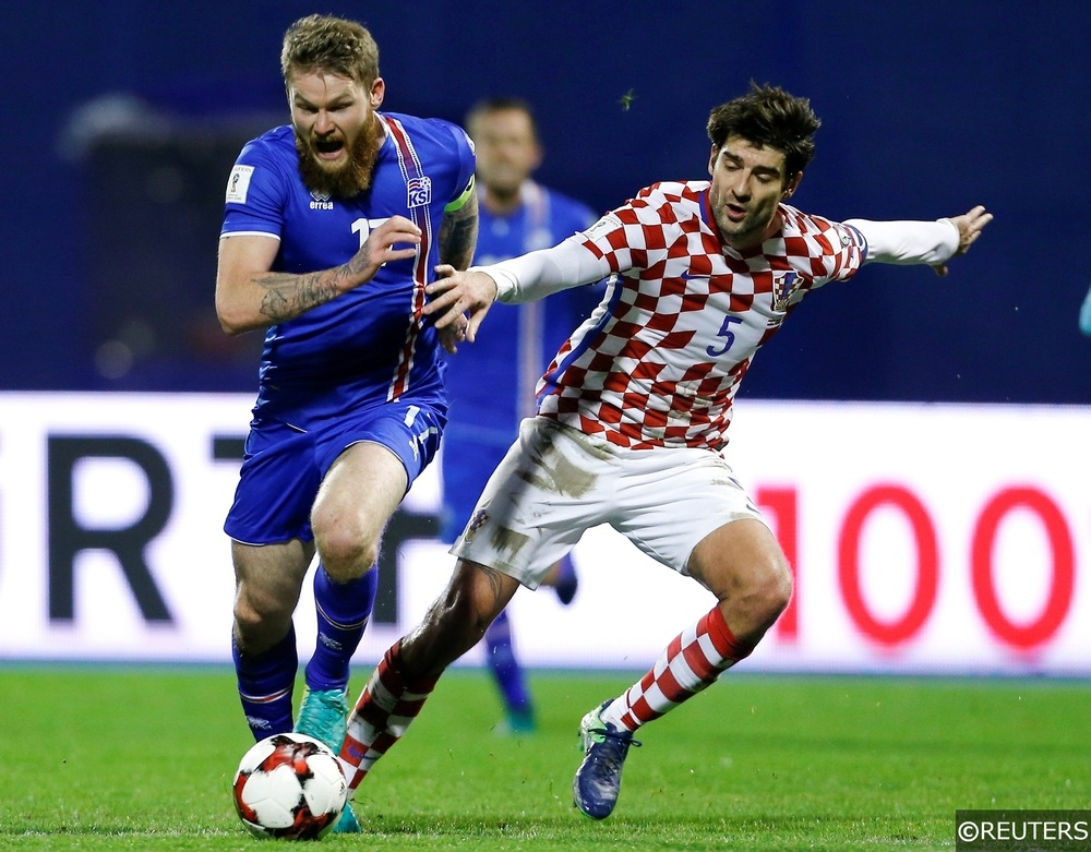 Coratia v Iceland - 2018 World Cup Qualifying European Zone - Maksimir arena, Zagreb, Croatia - 12/11/16 Croatia's Vedran Corluka and Iceland Aron Gunnarsson in action