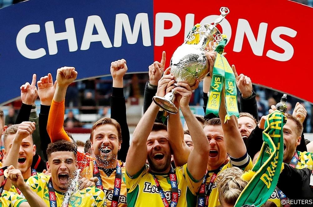Norwich celebrate winning the Championship